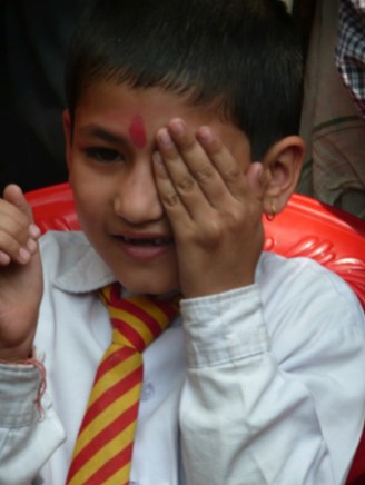Oogscreening van een jongetje in Pakhora