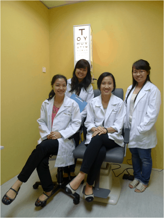 Opleiding en training van personeel in optiekwinkels Vietnam